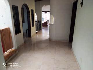 Un cuarto de baño con dos lavabos y un metro en Casa en venta en La Candelaria de 246m² con Zonas húmedas...