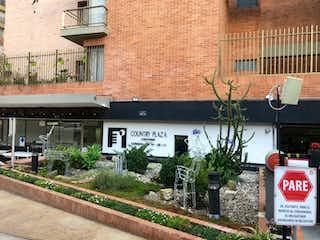 Un edificio con un letrero en la calle en 103883 - Apartamento en venta Country plaza, club house