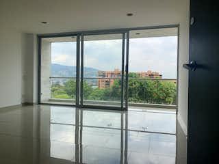 Una ventana con una vista de la ciudad en Apartamento en Venta en Loma Los Almendros, Envigado