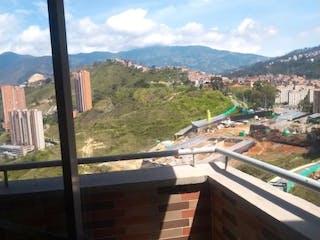 Una vista de una ciudad desde una ventana en Se Vende Apartamento en Calasanz ,Medellin