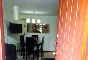 Venta Casa De Tres Niveles, Loma del indio-3 alcobas