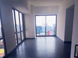 Una vista de una sala de estar con un gran ventanal en Departamento en Venta Be Grand Pedregal