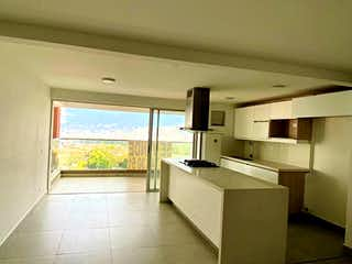 Un cuarto de baño con un lavabo y una bañera en Apartamento en venta en Suramérica, de 88mtrs2