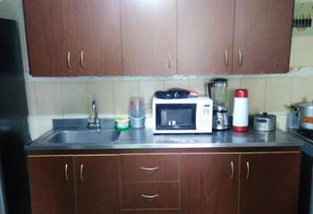 Venta Apartamento En Prado Centro, Segundo Piso, Cuenta Con 3 Alcobas