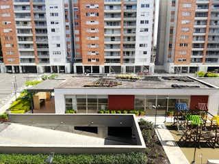 Una vista de un edificio en la ciudad en Apartamento en Venta SURAMERICA