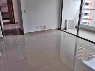 Un cuarto de baño con un lavabo y un espejo en Apartamento en venta en San Germán, 70mt con balcon