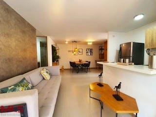 Una sala de estar llena de muebles y una televisión de pantalla plana en Olivo