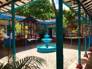Un par de sillas de césped en una playa en Casa en venta en El Noral con acceso a Zonas húmedas