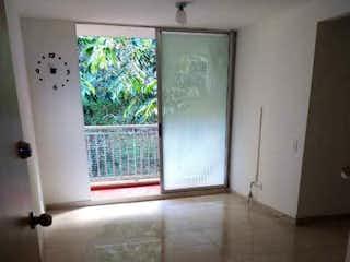 Un cuarto de baño con ducha y una ventana en Apartamento en venta en Rodeo Alto, de 56mtrs2