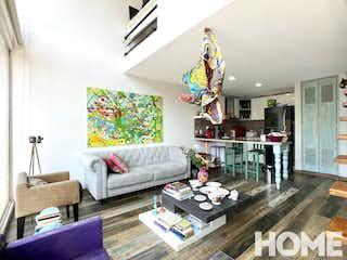 Una sala de estar llena de muebles y una chimenea en AMPLIO PH DUPLEX DE 1 HABITACIÓN – VENTA – Cll 93B Cra 19 – CHICO