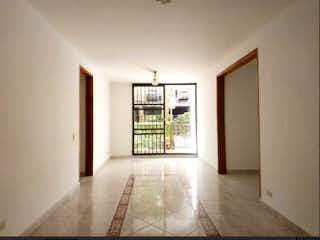 Una sala de estar llena de muebles y una ventana en Apartamento en venta en Altamira, de 73,56mtrs2