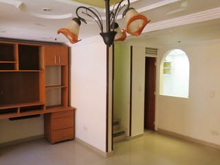 Una foto de una cocina en una casa en Venta Casa Suba Pacande
