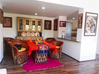 Una sala de estar llena de muebles y decoración en Departamento en venta en Villa Tlalpan de 2 hab. con Jardín...