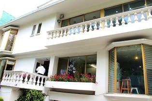 Casa en venta en Fuentes del Pedregal, 746 m² con jardín