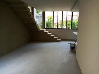 Una habitación que tiene una ventana en ella en Departamento en venta en Anzures, 144m²