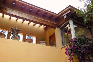 Casa en venta en Real de las Lomas, 941 m² con jardín