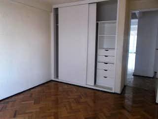 Un refrigerador congelador blanco sentado dentro de una cocina en Departamento en venta en Narvarte de 2 alcobas