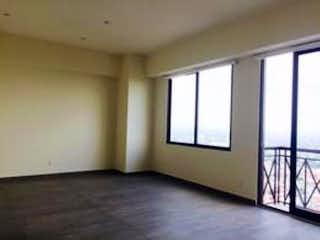 Una habitación que tiene una ventana en ella en Departamento en Venta en Bosques de las Lomas Cuajimalpa de Morelos