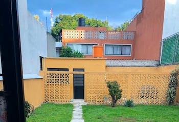 Casa en venta en Col. Acacias, 225 m² con uso de suelo