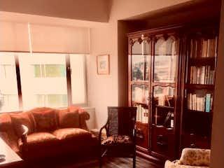 Una sala de estar llena de muebles y una chimenea en Departamento en venta en Santa Fe Cuajimalpa de 125m² con Piscina...
