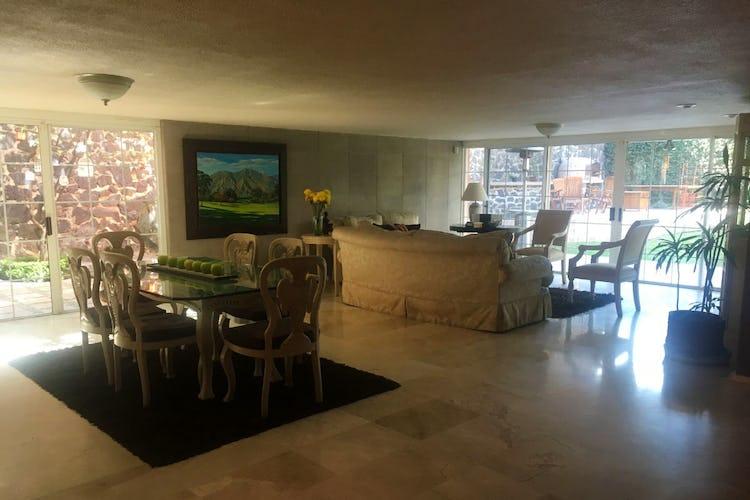Portada Casa en venta en Jardines del Pedregal, 900 m² con jardín