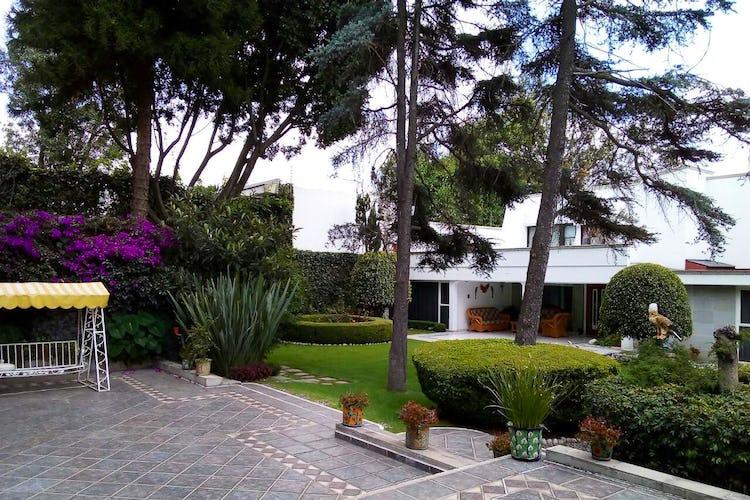 Portada Casa en venta en Jardines del Pedregal, 1,026.46 m² con jardín
