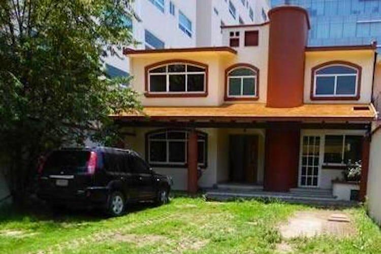 Portada Casa en venta en Fuentes del Pedregal, 327 m² con jardín
