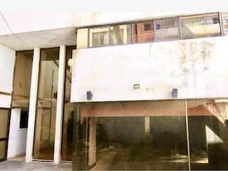Un cuarto de baño con lavabo y un espejo en Casa en venta en Del Valle con acceso a Zonas húmedas