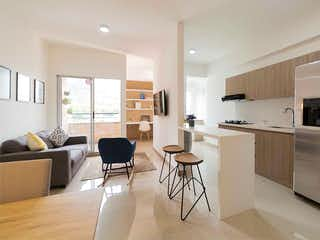 Una sala de estar llena de muebles y una televisión de pantalla plana en Florida Norteamérica