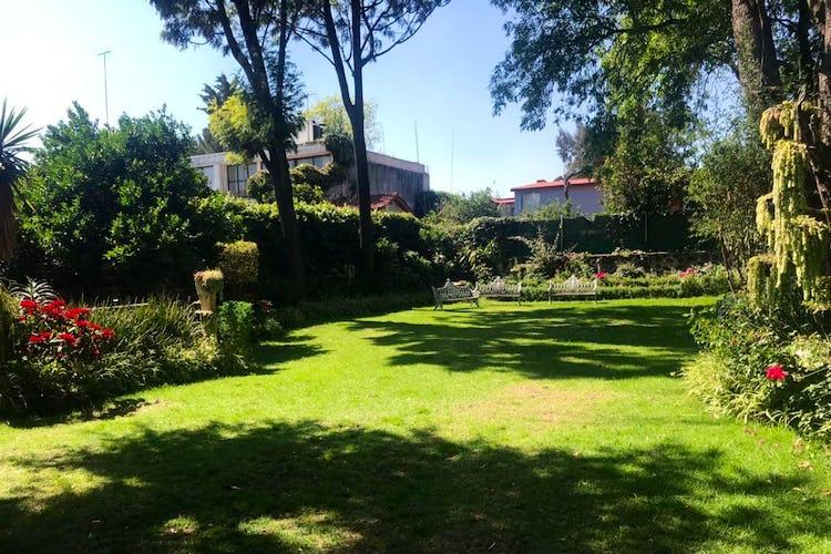Portada Casa en venta en Jardines del Pedregal, 467 m² con jardín