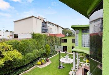 Casa en venta en Rinconada Coapa 1A Sección, 250 m² con uso de suelo