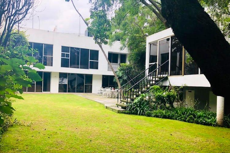 Portada Casa en venta en La Joya, 453 m² con jardín