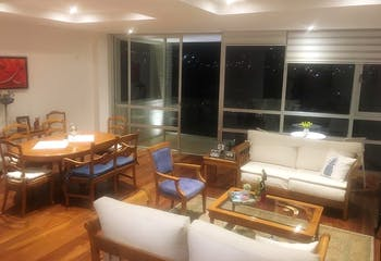 Departamento en venta en Lomas del Pedregal, 190 m² con balcón