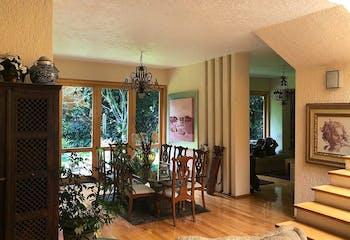 Casa en venta en Jardines del Ajusco, 533 m² con jardín