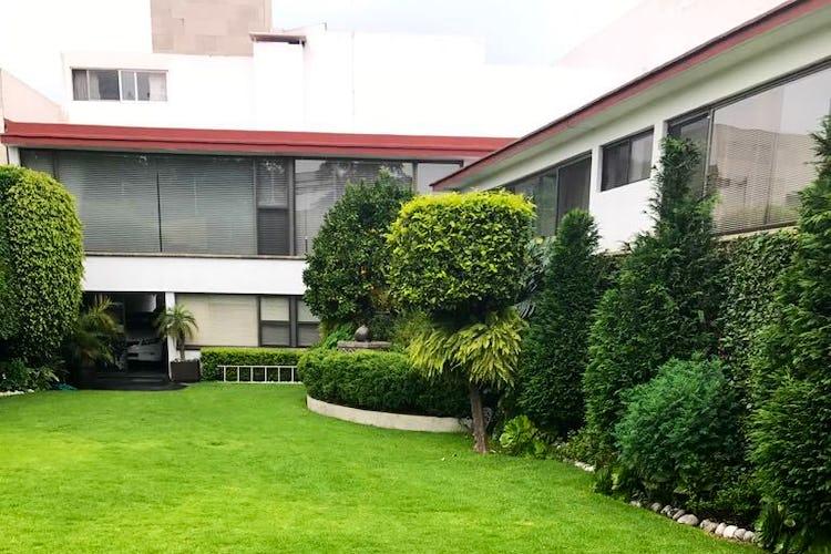 Portada Casa en venta en Jardines del Pedregal, 750 m² con jardín