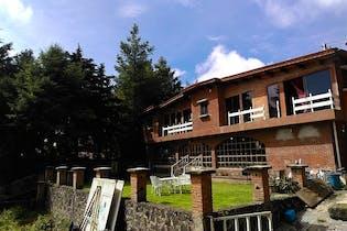 Casa en venta en Santo Tomas Ajusco, 600 m² con jardín