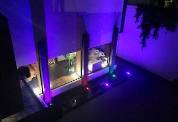 Casa en venta en Jardines del Pedregal, 1,200 m² con alberca
