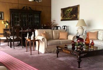 Casa en venta en Jardines del Pedregal de San Ángel, 869 m² con jardín