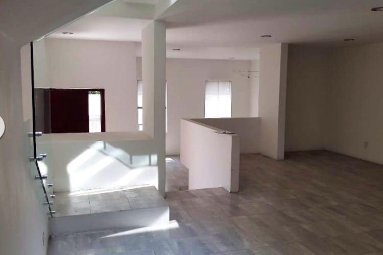 Portada Casa en venta en Lomas del Chamizal, 309 m² con patio