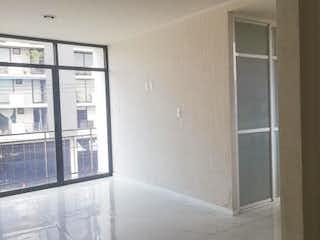 Un cuarto de baño con una puerta de ducha de cristal en Departamento en Venta en Americas Unidas Benito Juárez