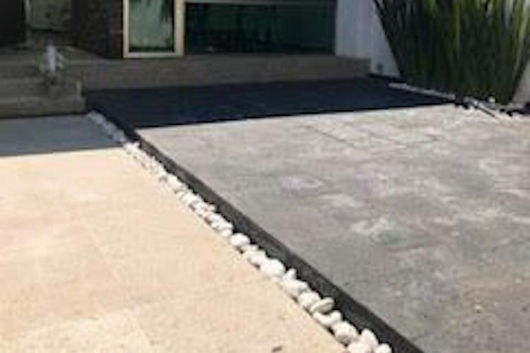 Portada Casa en Venta, Las Águilas, con  persianas automáticas