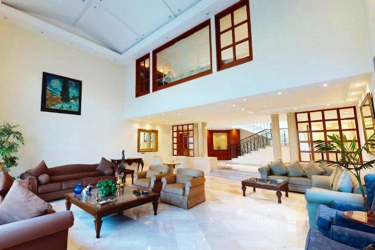 Portada Casa en venta en Jardines del Pedregal, 1,100 m² con salón de usos múltiples