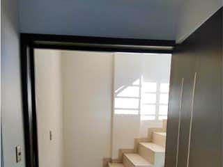 Una vista de un cuarto de baño con una puerta de cristal en Departamento en Venta en Moctezuma 2a Sección Venustiano Carranza