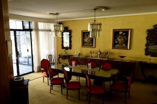Casa en venta en Fuentes del Pedregal, 887.23 m² con jardín