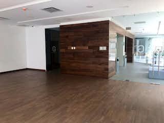 Una cocina con un suelo de madera y un suelo de madera en Departamento en Venta en Anáhuac I Sección Miguel Hidalgo