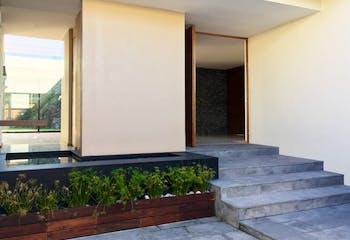 Casa en venta en Jardines del Pedregal, 652 m² con jardín
