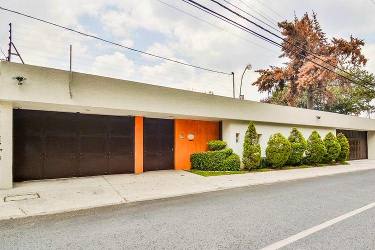 Portada Casa en venta en Jardines del Pedregal, 852 m² con jacuzzi