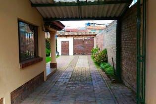 Casa Campestre En Venta En Chia con 4 habitaciones.