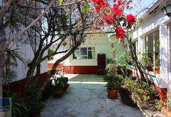 Casa en venta en Col. Santiago Norte, 150 m² con jardín y patio