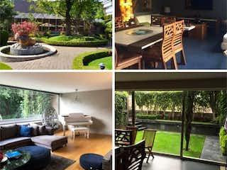 Un collage de fotos con un banco de parque y un edificio en Casa en venta en Las águilas, 482m² con Jardín...